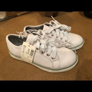 Girls white justice canvas shoes